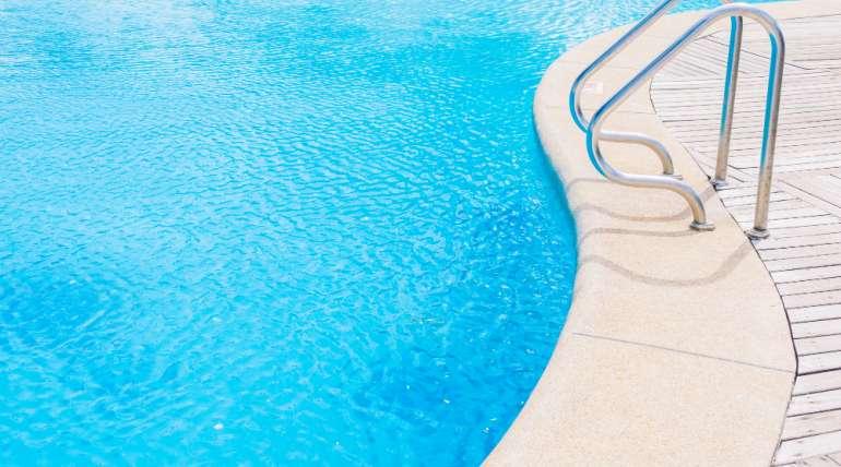 Conheça o passo a passo de como construir piscina de vinil